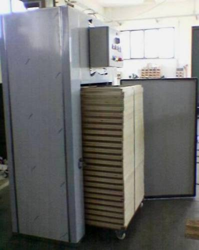 Sterilizer for trolley pasta with frames - Side with frames