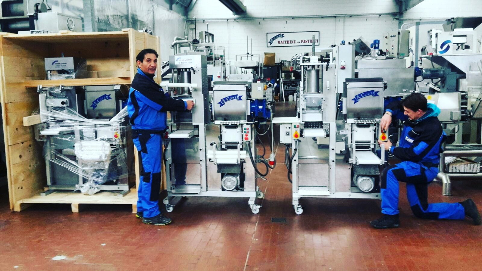 The technicians of Aldo Cozzi Sas to the production of combined machines for fresh pasta - 4 in 1